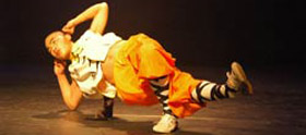 Shaolin Monnik in traditionele slaap positie